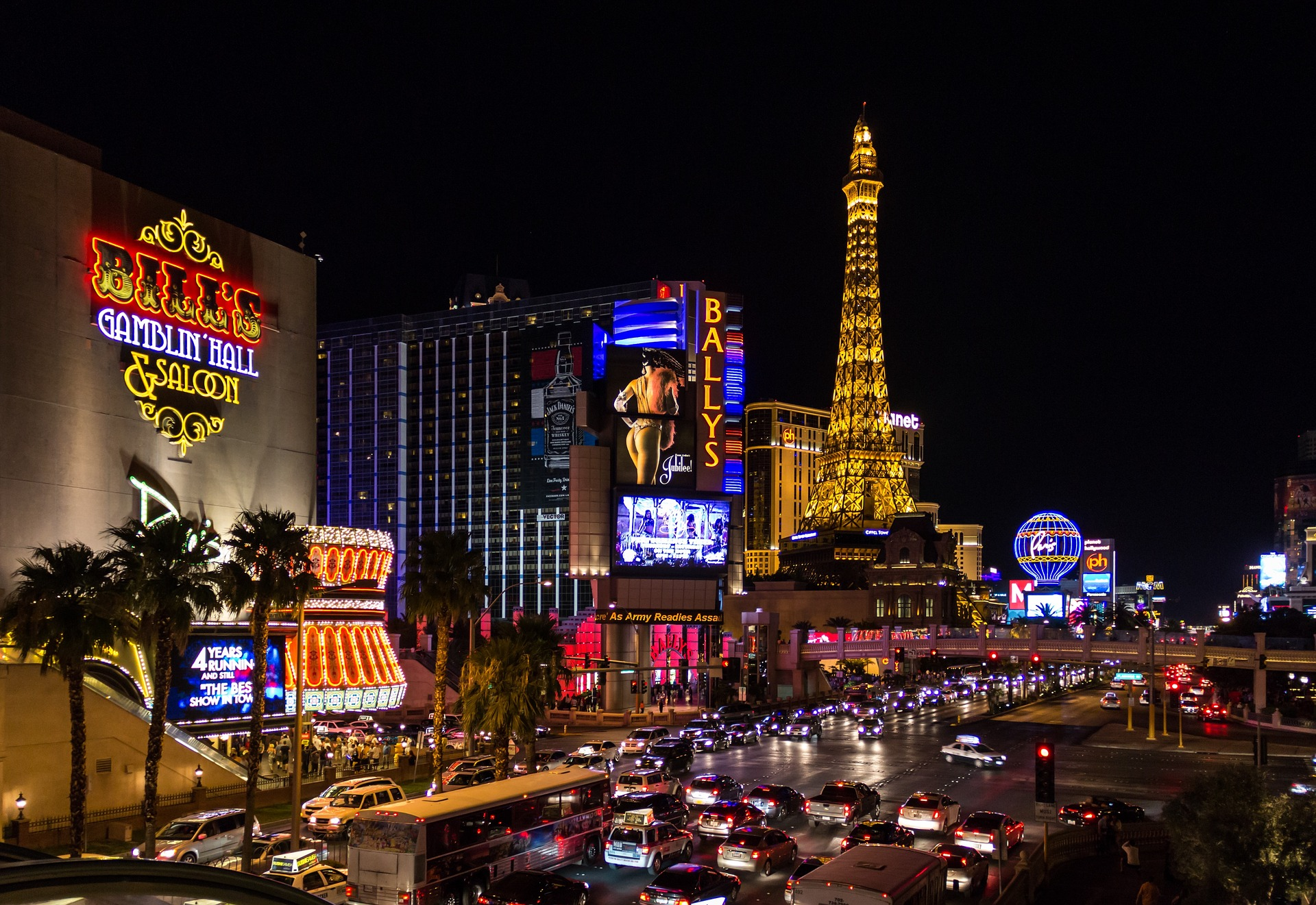 How To Plan A Vegas-Themed Party