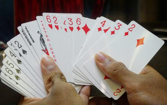 Learn To Play Poker And Develop A Passion To Play The Game