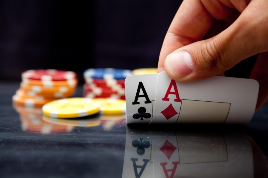 Playing Poker Online- Everything That You Need To Know